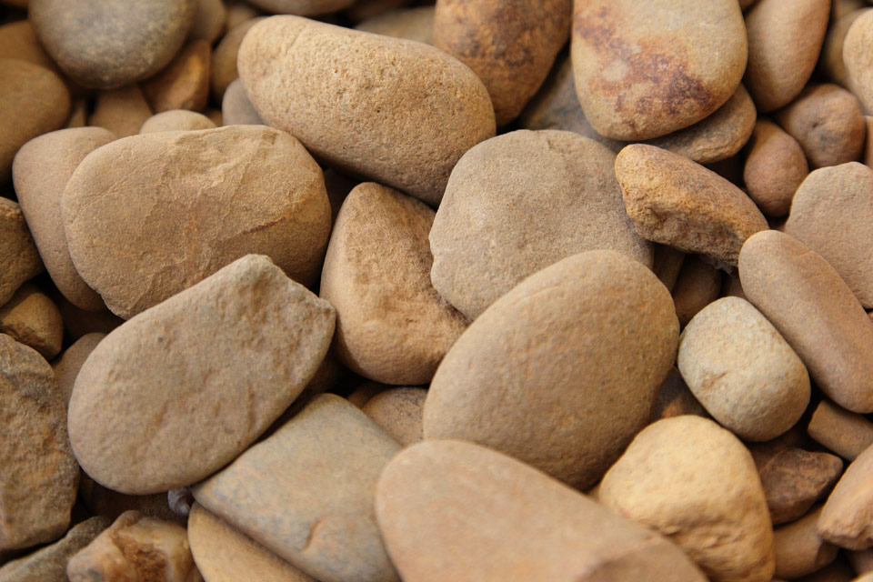 Bright riverstone small southpoint garden supplies for Small river pebbles